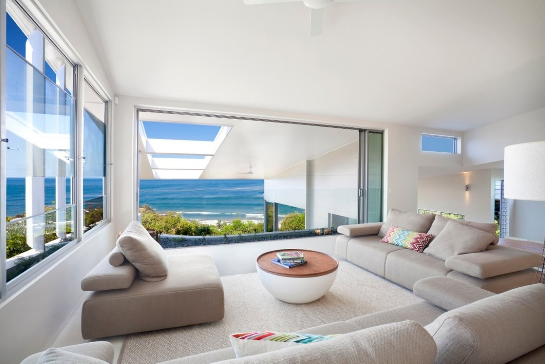 Charming openplan beach house interior design ideas